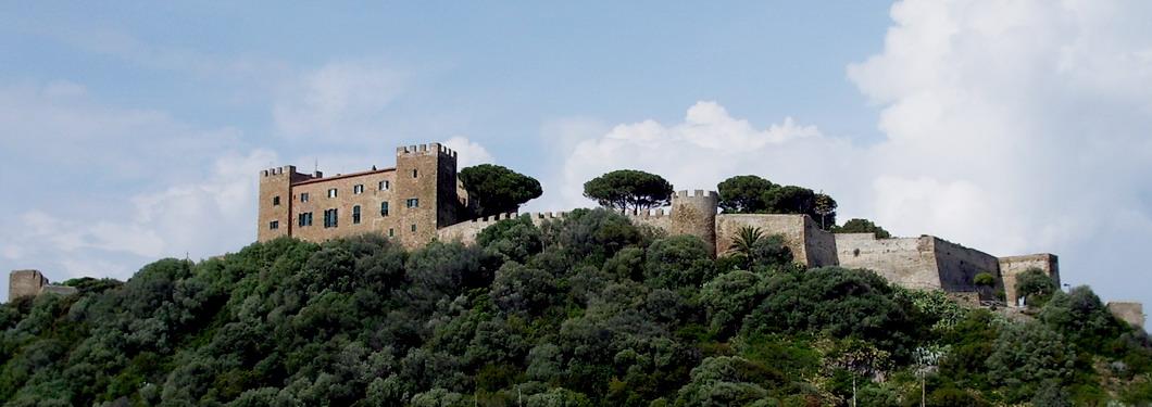 Mura_e_Castello_di_Castiglione_della_Pes
